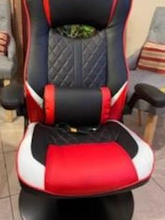 Gaming Chair for Sale in Fresno,  CA