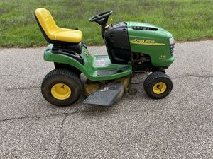 John Deere L110 lawn tractor for Sale in North Ridgeville, OH
