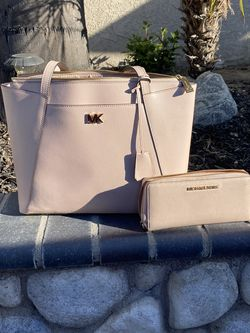 Michael Kors Purse And Wallet for Sale in Whittier,  CA