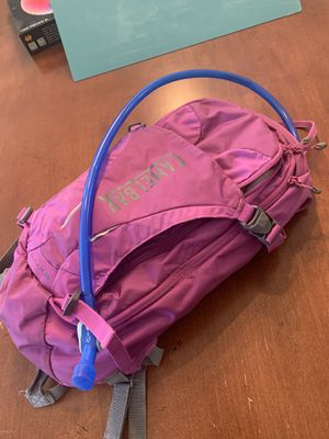 Camelbak LUXE hiking backpack with 3L hydration bladder for Sale in Mesa, AZ