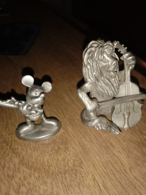 Disney wayward cannery Mickey mouse and the cowardly Lion pewter for Sale in Santa Fe Springs, CA