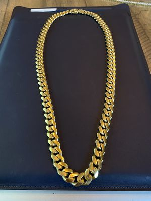 "SILVER CUBAN LINK 30"" 14MM SOLID 925 PLATED IN 14K for Sale in Miami, FL"