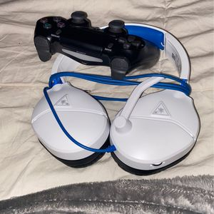 Ps4 controller and headset for Sale in Atlanta, GA