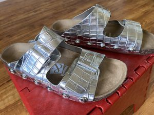 Sam & Libby Ashland Studded Sandal Size 5 for Sale in Chino, CA