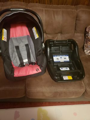 Babytrend car seat for Sale in East Haven, CT