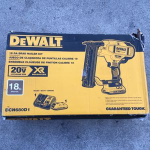 Dewalt 20v 18ga Brad Nailer Kit for Sale in Los Angeles, CA