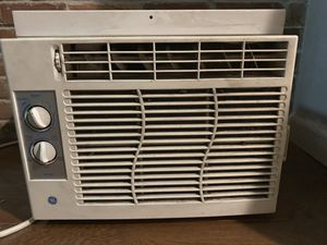 GE Air Conditioner (8000 BTU) - Open to Offers! for Sale in New York, NY