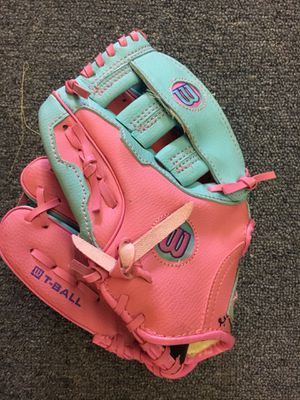 Girls Left Handed Pink Baseball Glove for Sale in St. Peters, MO