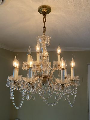 FREE chandelier - must be able to disconnect yourself for Sale in Winter Park, FL