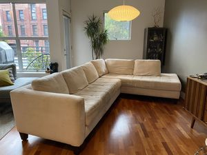 Couch - Modern sectional couch - Super comfortable for Sale in San Francisco, CA