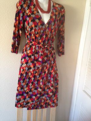 🌻🌻$4 EXCELLENT CONDITION GORGEOUS Sz SMALL DRESS for Sale in Bloomington, CA