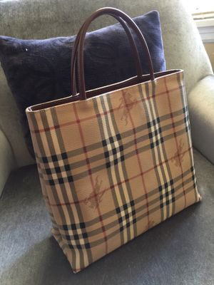 Burberry handbag for Sale in Columbia, TN