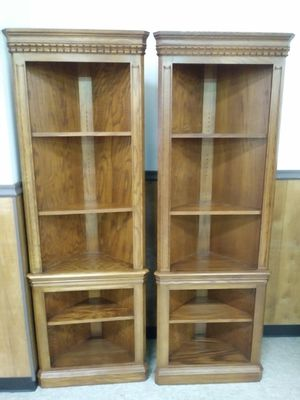 Beautiful pair of corner cabinets with removable / adjustable shelves for sale for Sale in East Saint Louis, IL