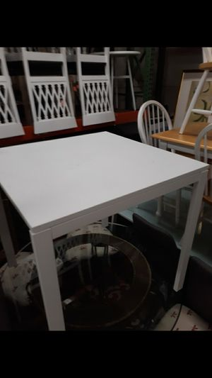 Small kitchen table for Sale in High Point, NC