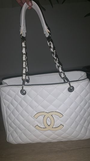 White Chanel bag for Sale in Arcadia, CA