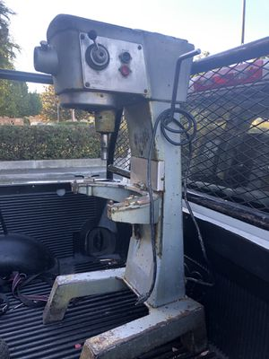 Hobart 30 qt dough mixer 115 volts for Sale in Sunnyvale, CA