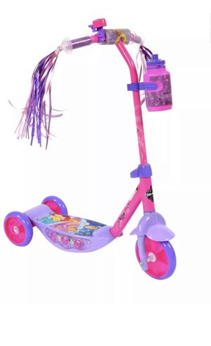 Disney princess 3 wheeled scooter by Huffy for Sale in Mason City, IA