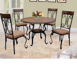 Brand new dining table for Sale in Chicago, IL