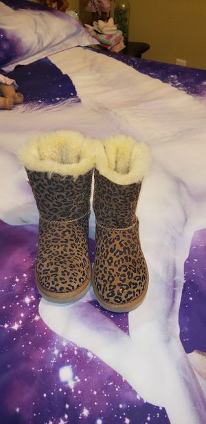 Girls ugg boots size 11 for Sale in NEW PRT RCHY, FL