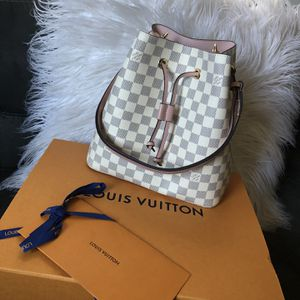 100% authentic Louis Vuitton Neonoe bucket bag 🖤 for Sale in Roanoke, VA