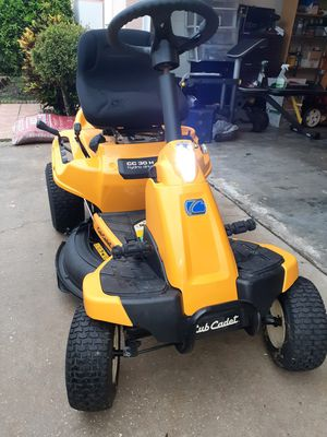 2019 CubCadet cc30h riding lawn mower for Sale in BVL, FL