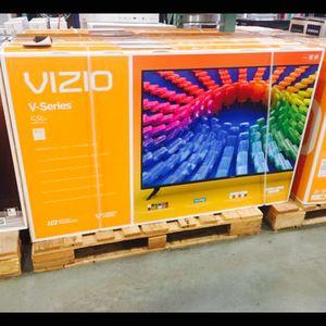 Vizio 60 inch 4K TV smart with warranty for Sale in Norwalk, CA