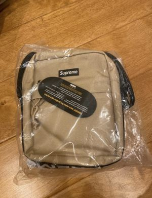 Supreme tan shoulder bag SS18 for Sale in La Palma, CA