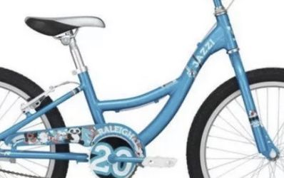 Raleigh 20 Girls Bike Excellent Condition for Sale in Round Hill,  VA
