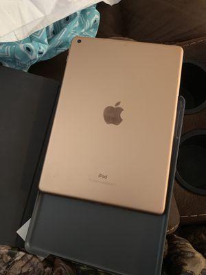 iPad Gen 6 128 GB for Sale in Staunton, VA