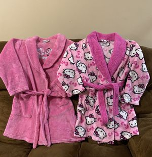 Girls Clothes/ robes. for Sale in Oakbrook Terrace, IL