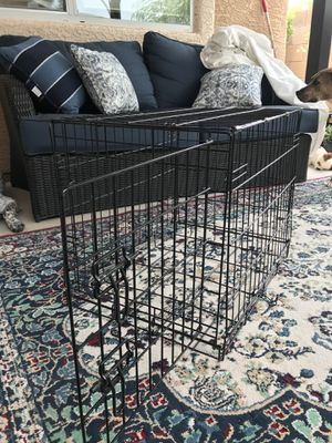 Medium small dog kennel crate metal for Sale in Las Vegas, NV