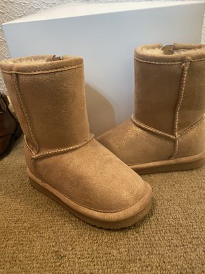 Girls boots Size 5 (Toddler) for Sale in Irving, TX