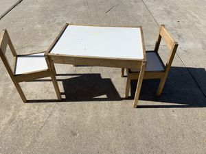 IKEA kids desk w/ chairs for Sale in Riverside, CA