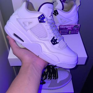 Jordan 4 metallic purple for Sale in Los Alamitos, CA