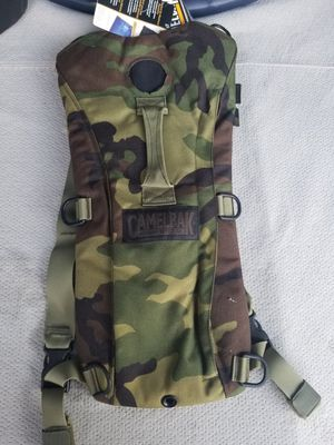 NEW! CamelBak Maximum Gear Camo Thermobak 3L Hydration Pack Backpack for Sale in Escondido, CA