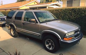 2001 Chevy Blazer 4 dr LT Nice rims, 2 new tires and a new battery. Bluetooth stereo. for Sale in Whittier, CA