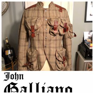 Men's John Galliano Collection Jacket size 48 (Large) I paid over $4,200. In great condition! Unfortunately it no longer fits me. Style number #AUL00 for Sale in Washington, DC