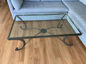 Glass-top coffee table for Sale in Miami, FL