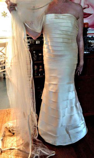Wedding dress for Sale in New Smyrna Beach, FL