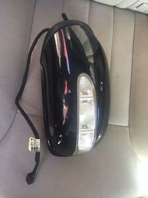 Ml 350 driver side mirror title for Sale in Queens, NY