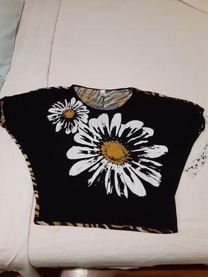 Skirt &top size XL. Falda y blusa talla extra grande for Sale in Fresno, CA