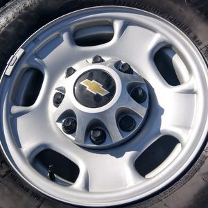 2019 Chevy 2500 Factory Rims for Sale in Dripping Springs, TX