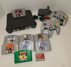 Nintendo 64 with 8 games! for Sale in Chicago, IL