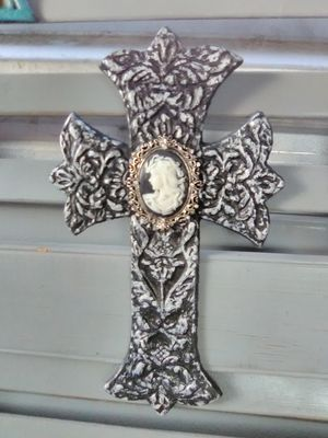Iron cross for Sale in Sanctuary, TX