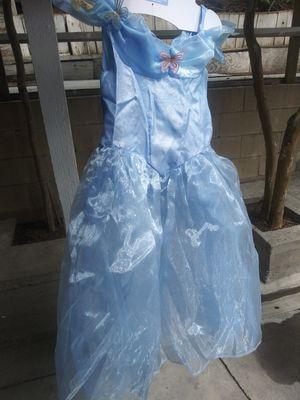 Costume senderella size 4T for Sale in Industry, CA