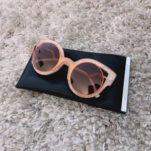 Fendi Paradeyes Cat Eye Ladies Sunglasses for Sale in Los Angeles, CA