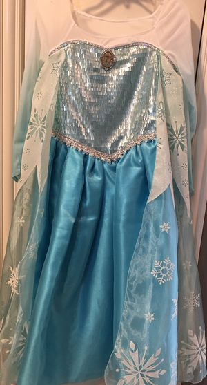 The Disney Store Elsa Dress New Costume Halloween Play Size 10 for Sale in Columbus, OH