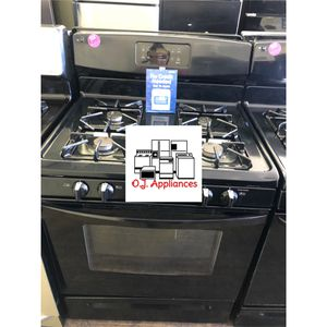 Kenmore black stove four burner gas for Sale in Brook Park, OH