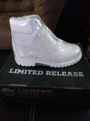 TIMBERLAND LIMITED EDITION SIZE 5JR/7 WOMEN BRAND NEW $100 for Sale in Ontario, CA