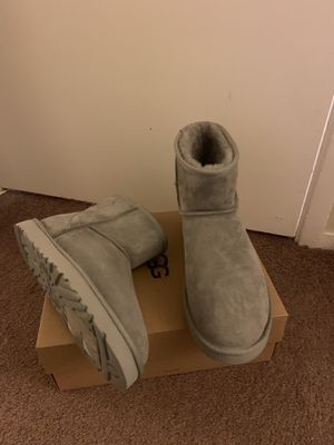 100% Authentic Brand New in Box UGG Classic Mini Boots / Men size 11, 12, 14 / Color Grey for Sale in Lafayette, CA